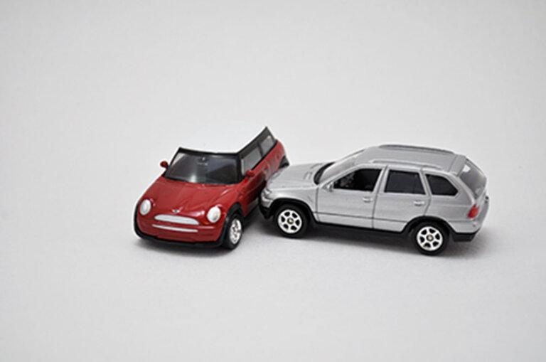 初めて交通事故に遭った。どうやって解決すれば良い?